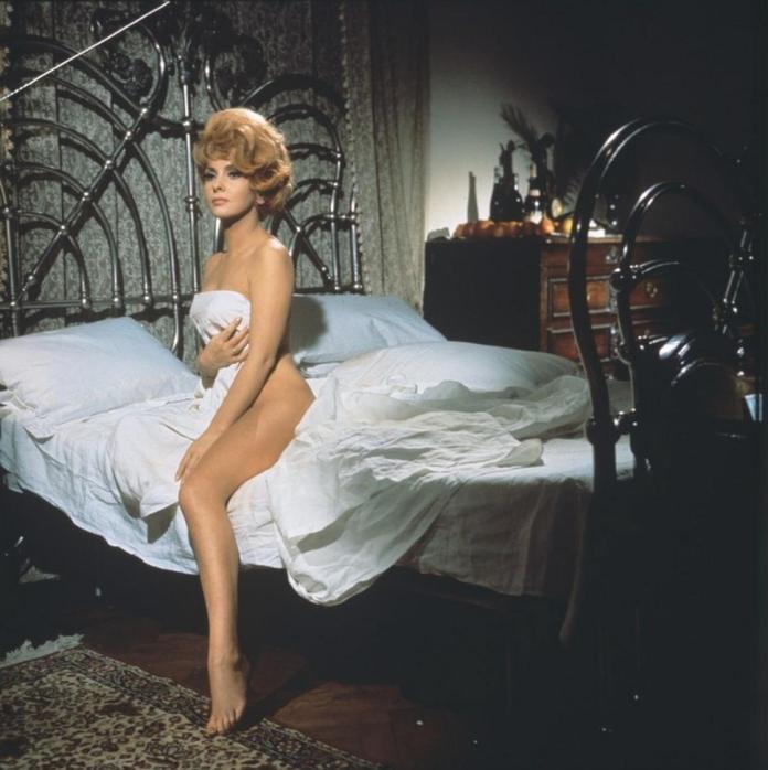 Gina Lollobrigida sexy look