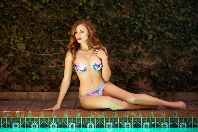 Holland Roden sexy pics