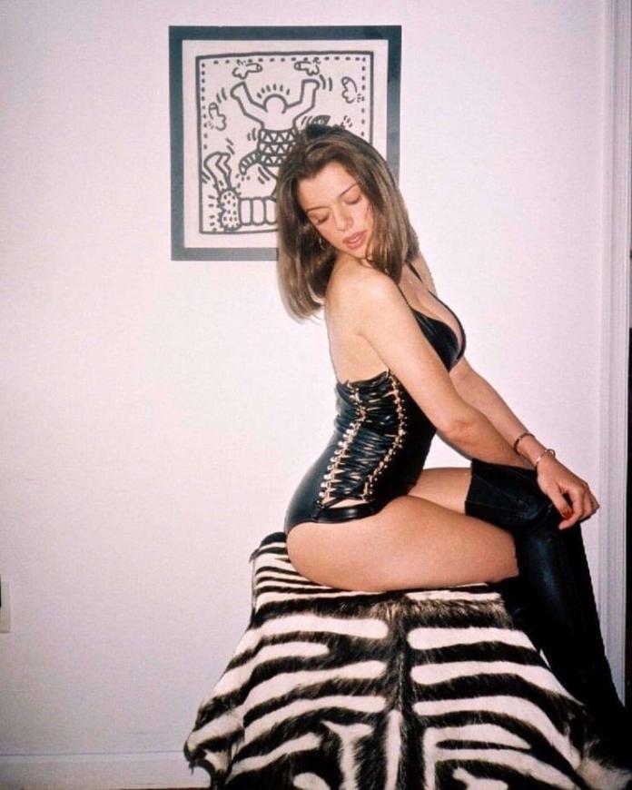 Julia Fox hot pic