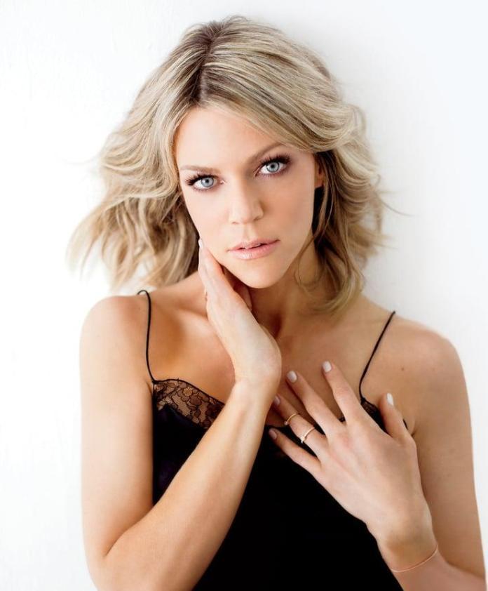 Kaitlin Olson sexy pics