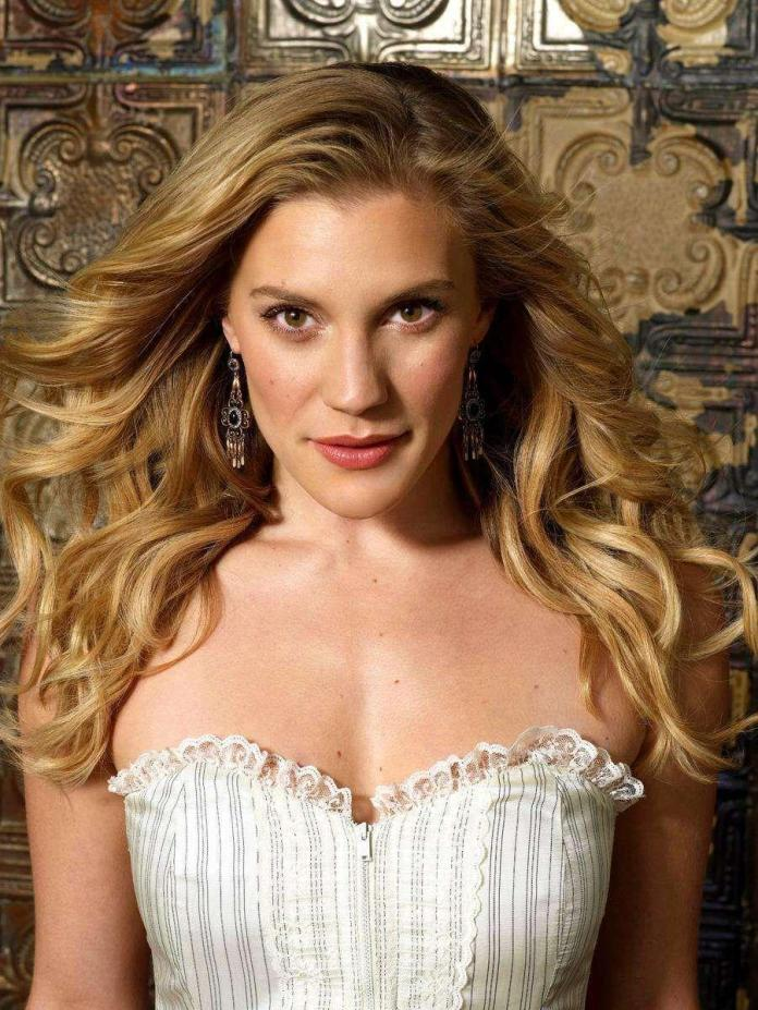 41 Sexiest Pictures Of Katee Sackhoff   CBG