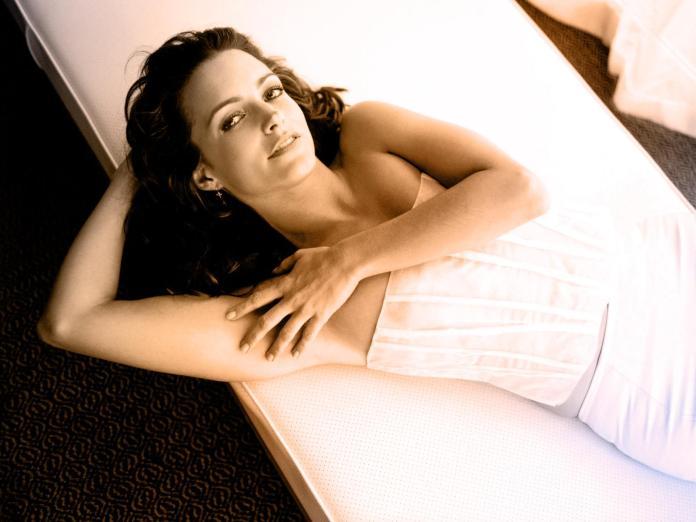 Kristin Davis hot pic