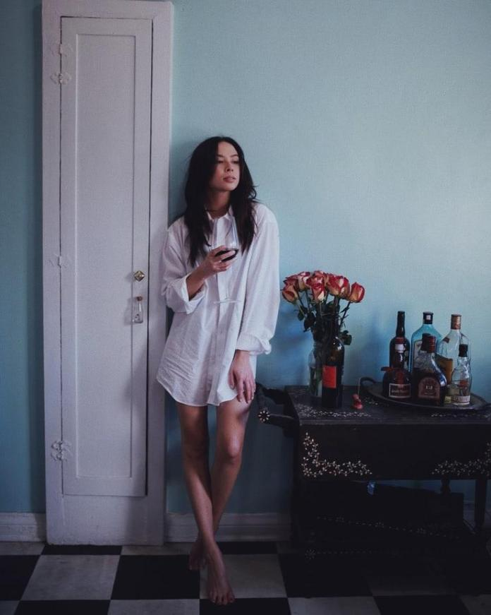 Malese Jow hot look