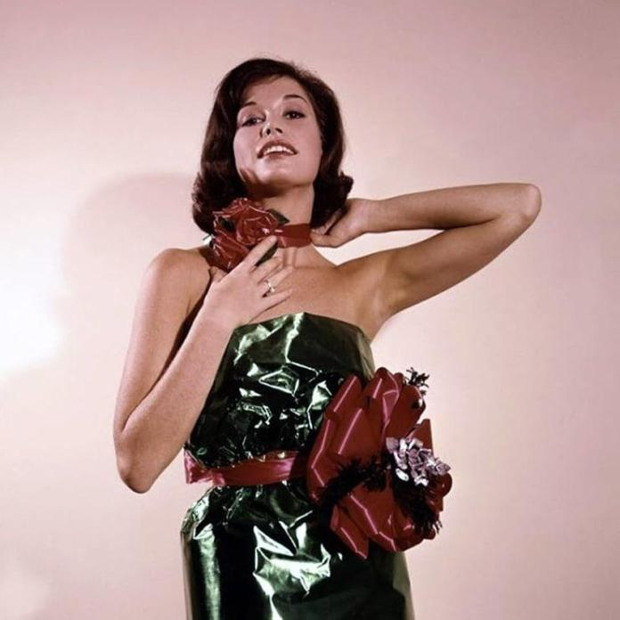 Mary Tyler Moore sexy look
