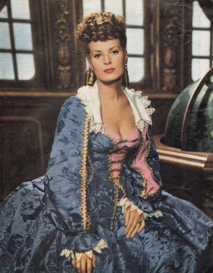 Maureen O'Hara hot look