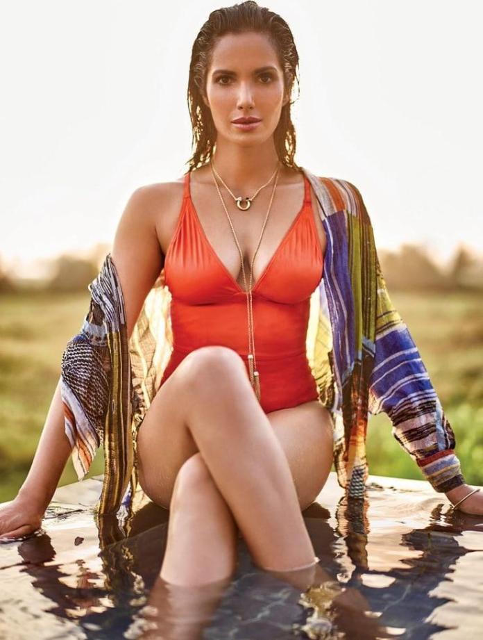 Padma Lakshmi sexy pic