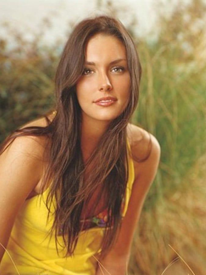 41 Hottest Pictures Of Taylor Cole | CBG