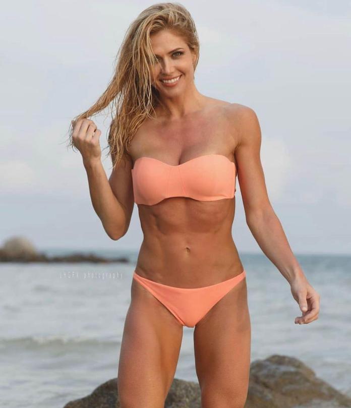 Torrie Wilson sexy