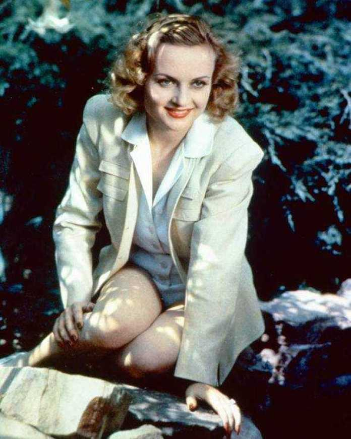carole lombard smile pictures