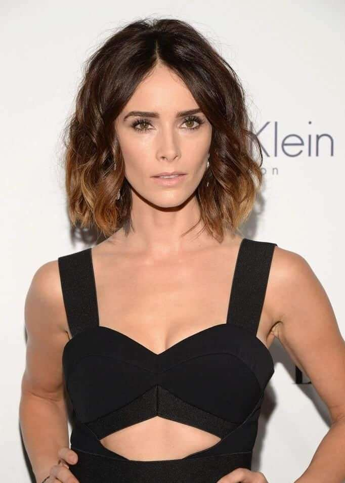 Abigail Spencer cleavage pics