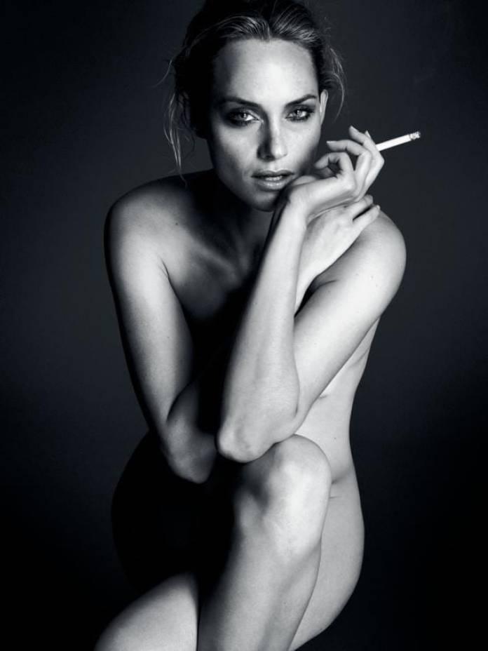 Amber Valletta sexy pics