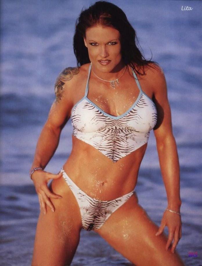 Amy Dumas big tits pics
