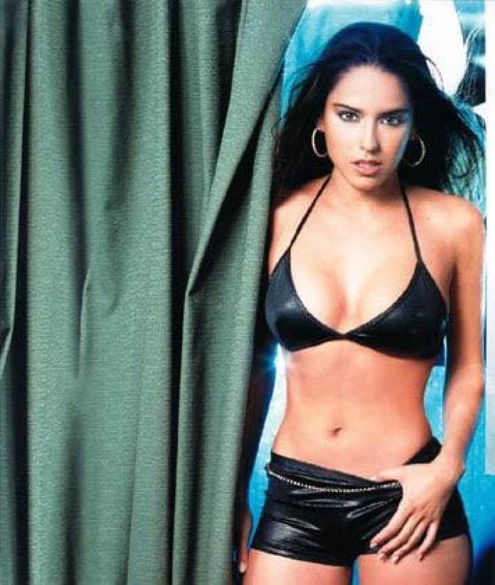 Ana Claudia Talancón bikini pics