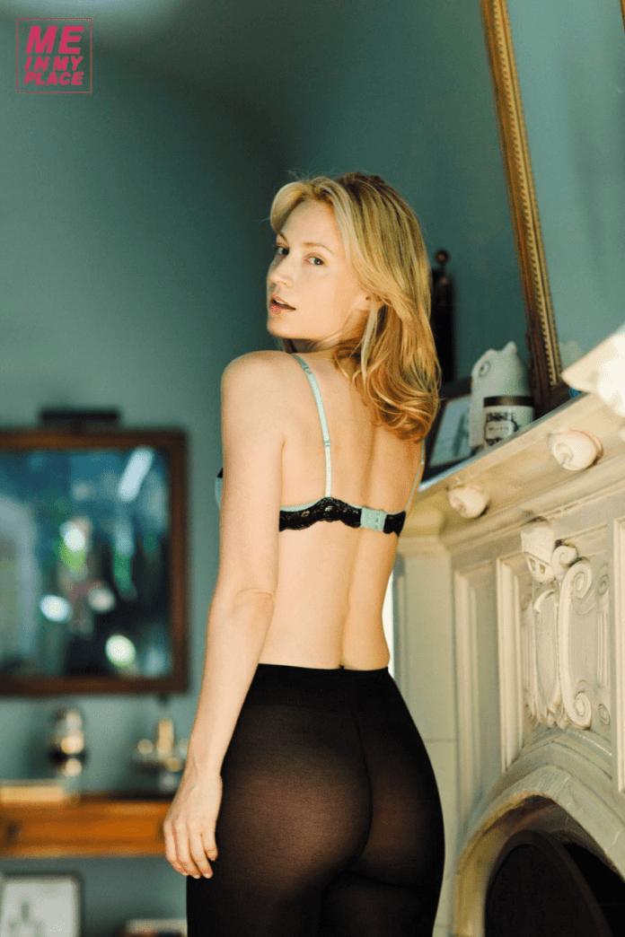 Beth Riesgraf sexy ass pics