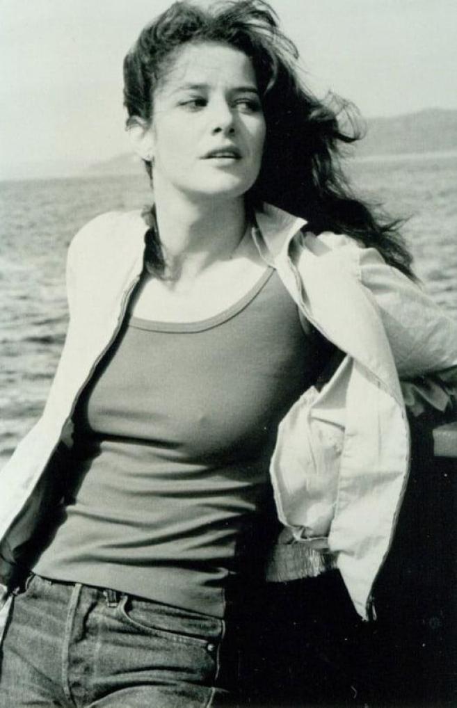 Debra Winger hot pictures