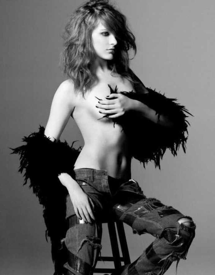 Evan Rachel Wood topless pics