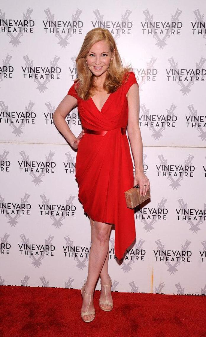 Jennifer Westfeldt sexy dress pics