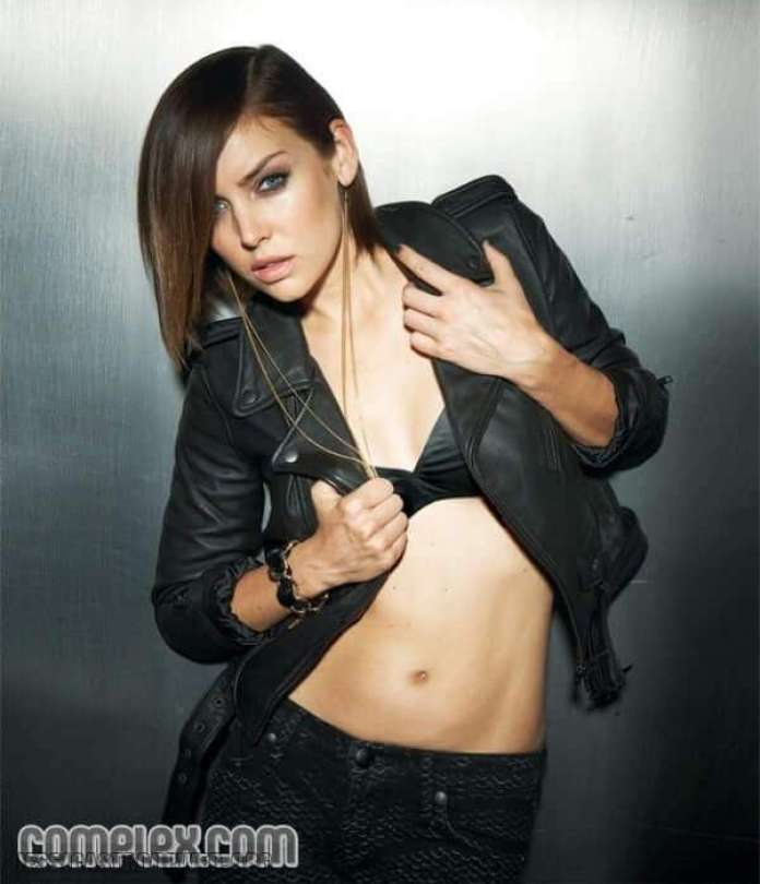 Jessica Stroup hot pictures