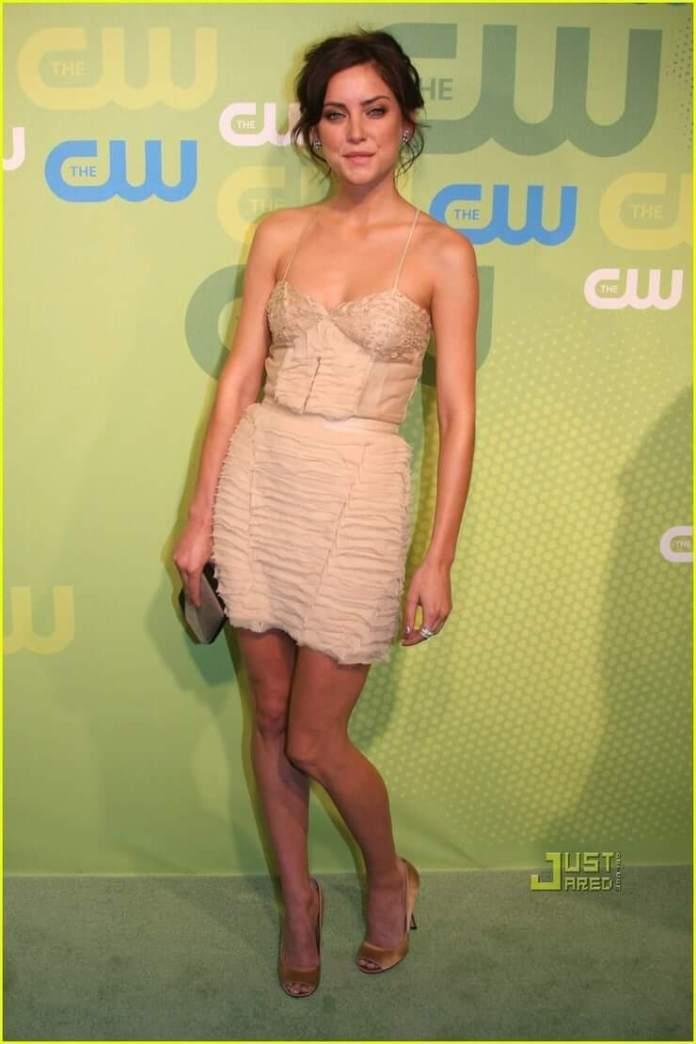 Jessica Stroup sexy look pics