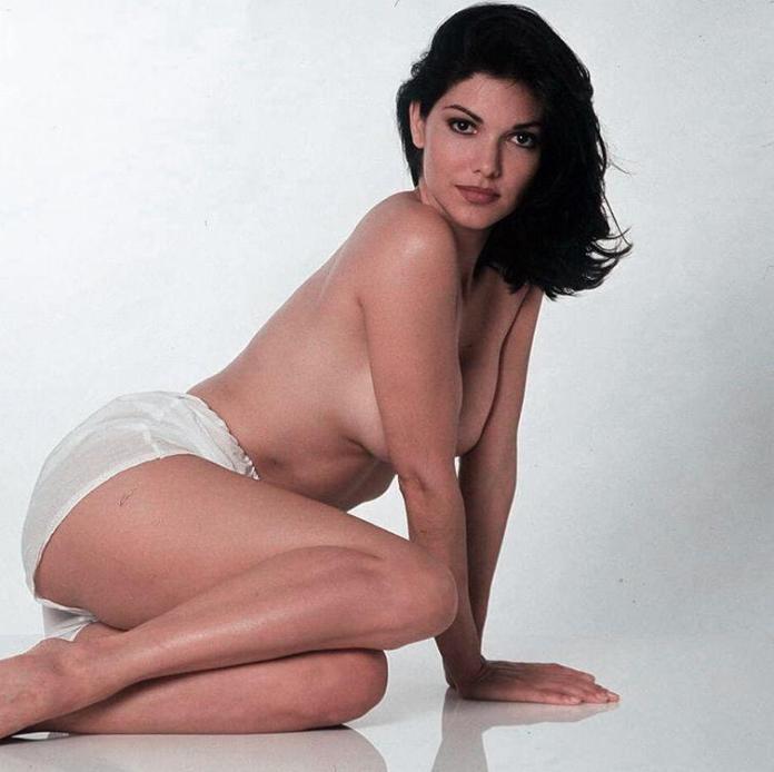 Laura Harring sexy