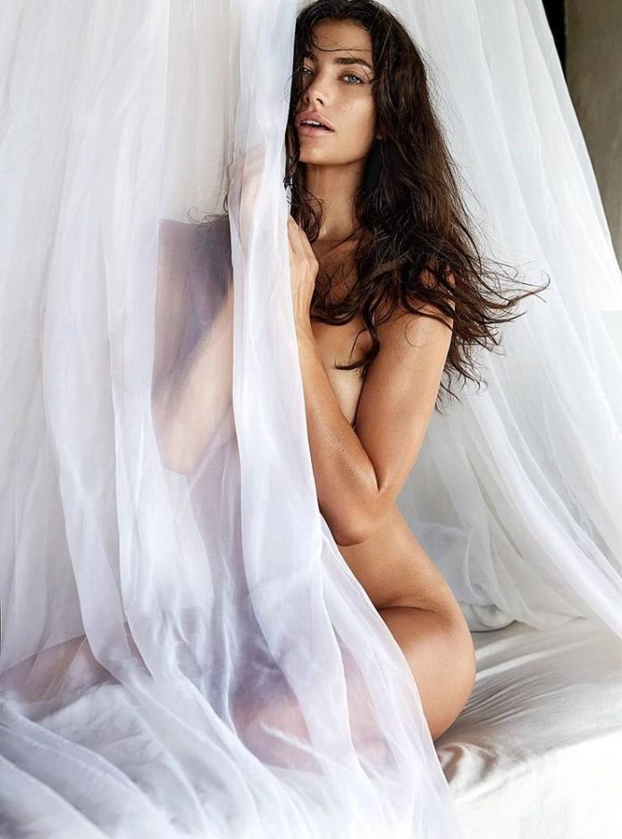 Lauren Mellor sexy pics