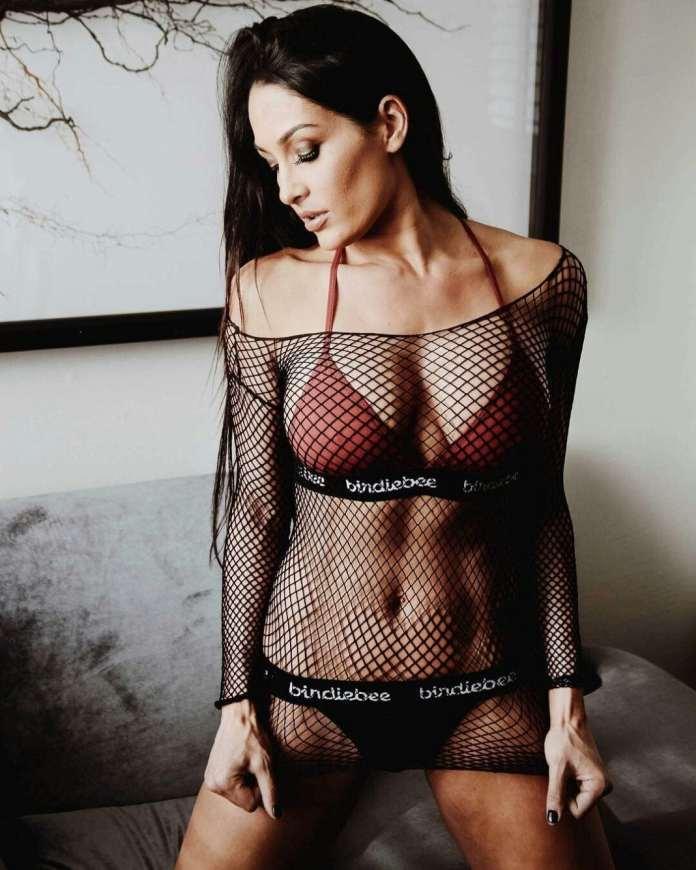 Nikki Bella beautiful pics