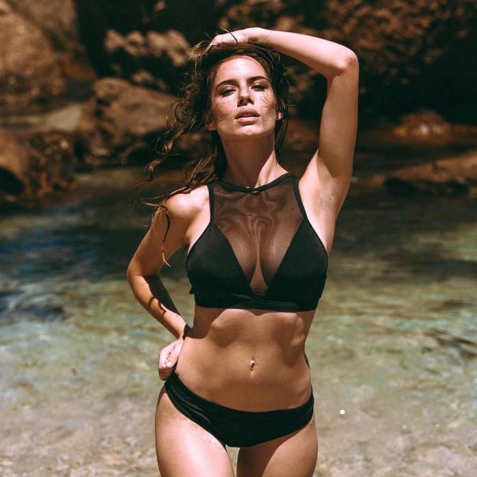 Simone De Kock amazing look