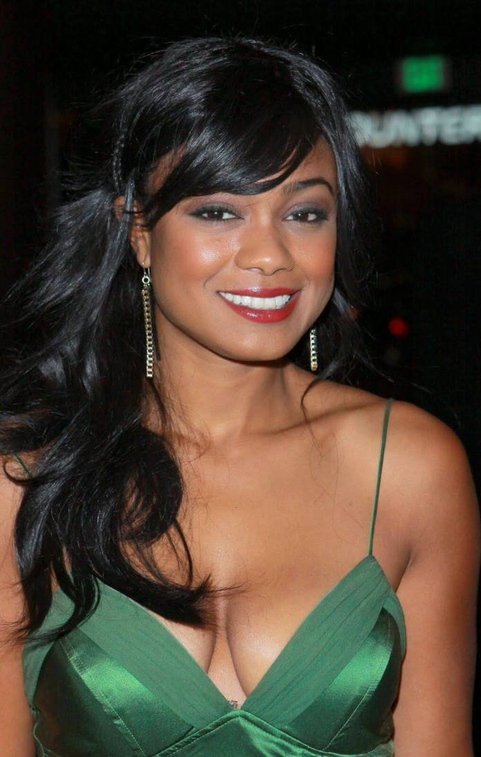 Tatyana Ali sexy cleavage pictures