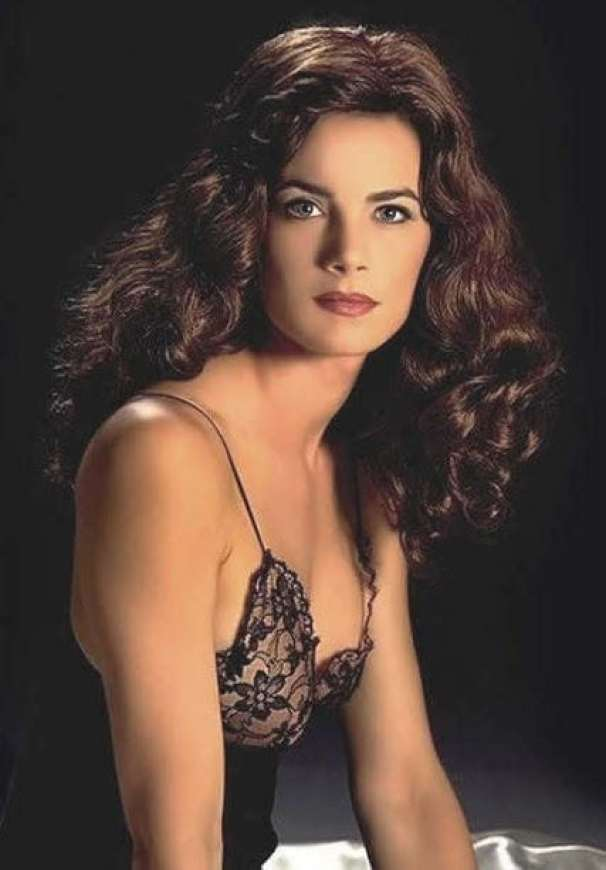 Terry Farrell Cleavage