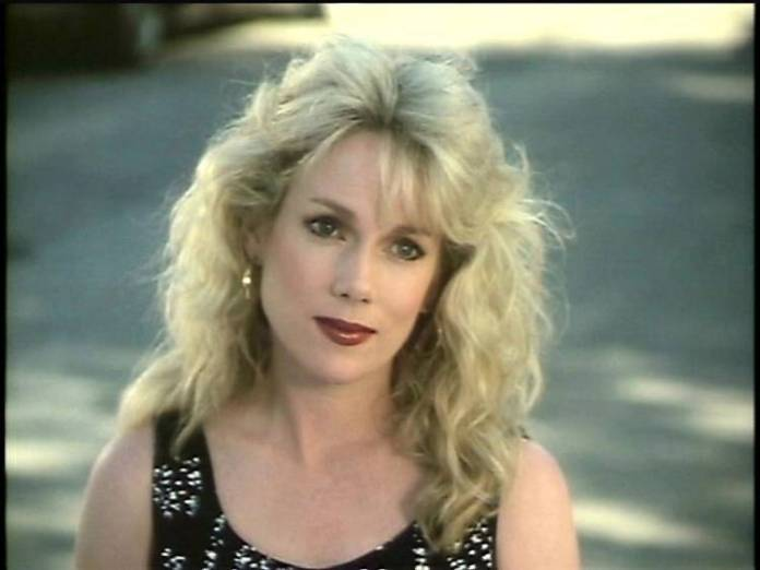 julia duffy outside