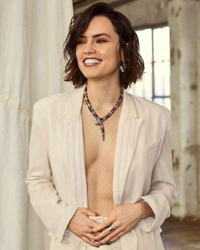 Daisy Ridley sexy pic