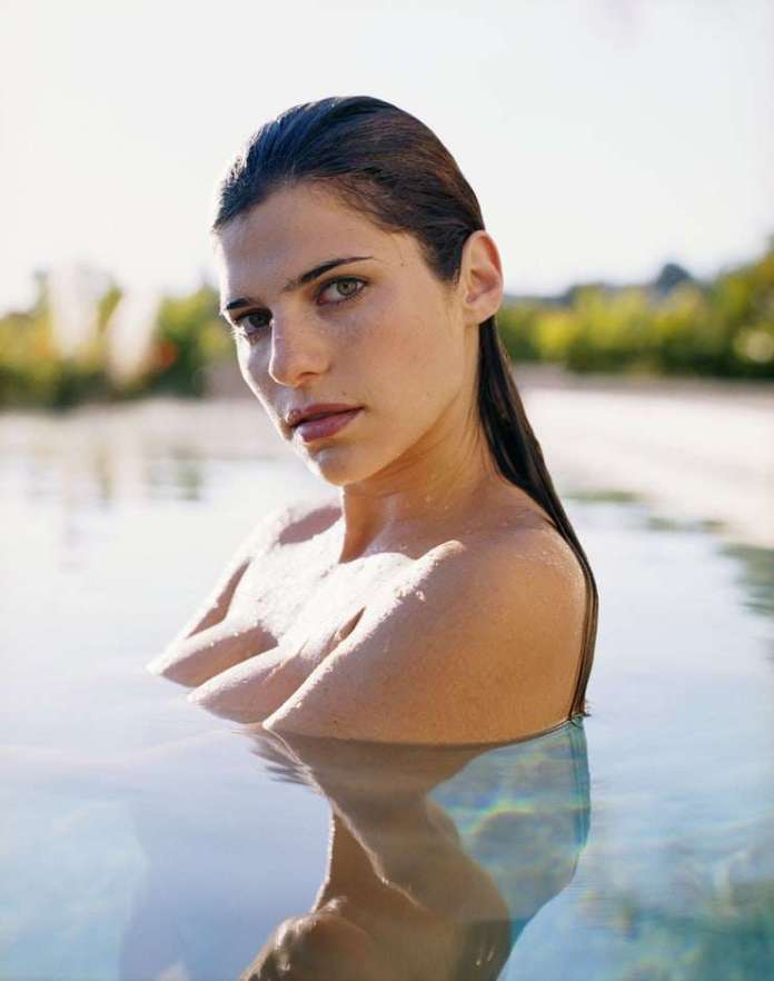Lake Bell hot look