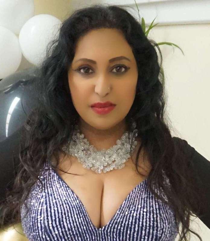Elena Khan hot pic