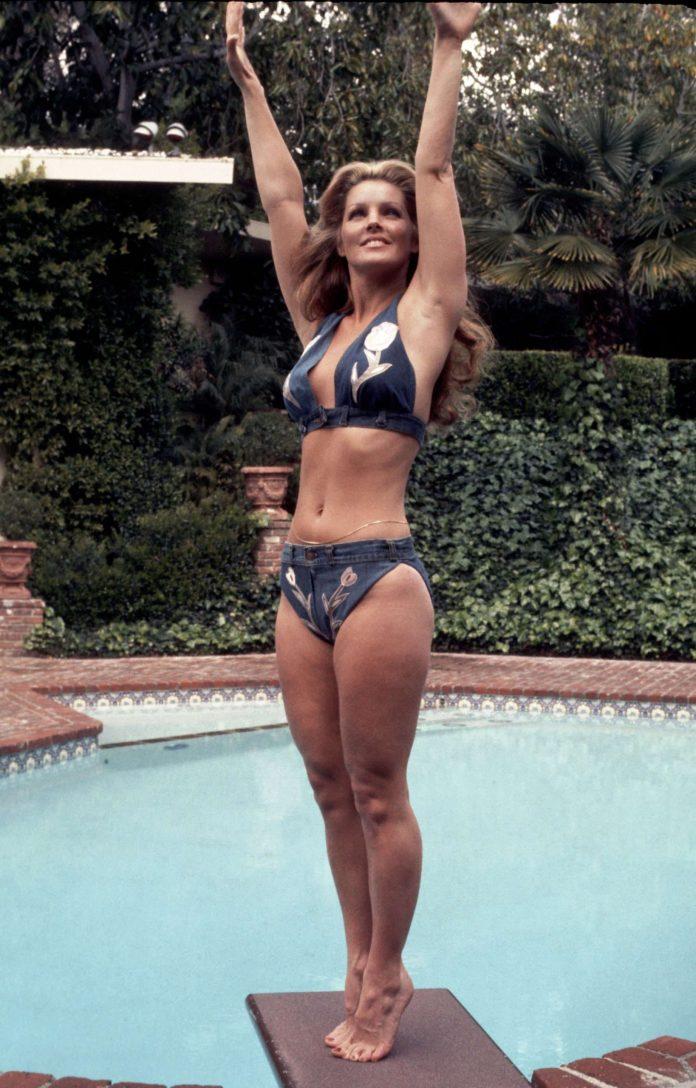 Priscilla Presley hot pics