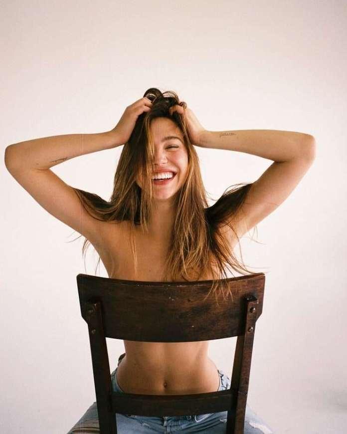 Alexis Ren hot pic