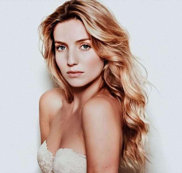 Annabelle Wallis hot look