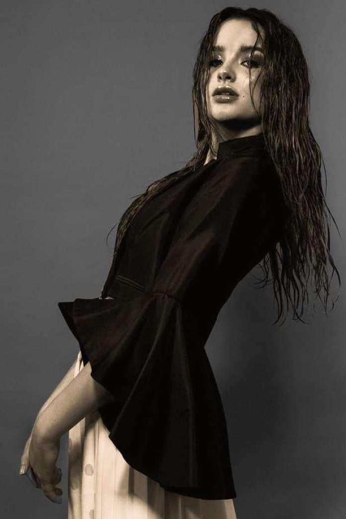 Annie LeBlanc sexy pics