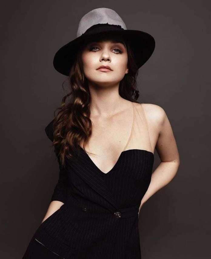 Jessica Barden sexy pic