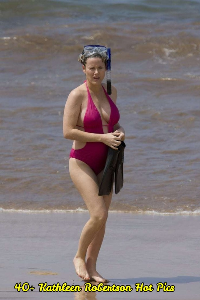 Kathleen Robertson hot pictures