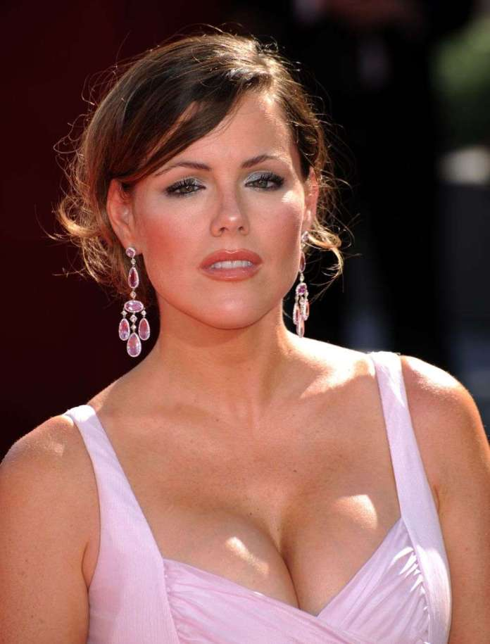 Kathleen Robertson hot