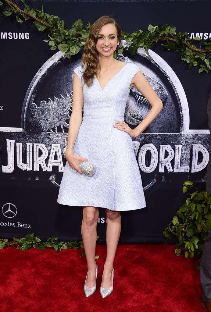 Lauren Lapkus hot look