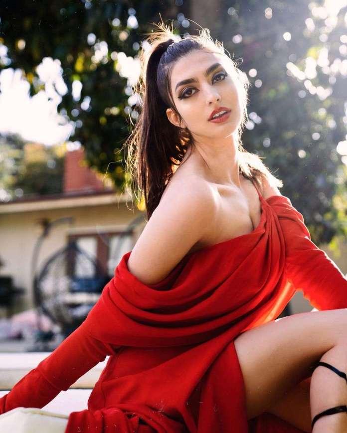Rachel Levin hot
