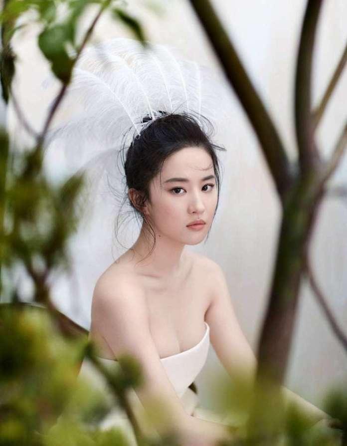 Yifei Liu hot