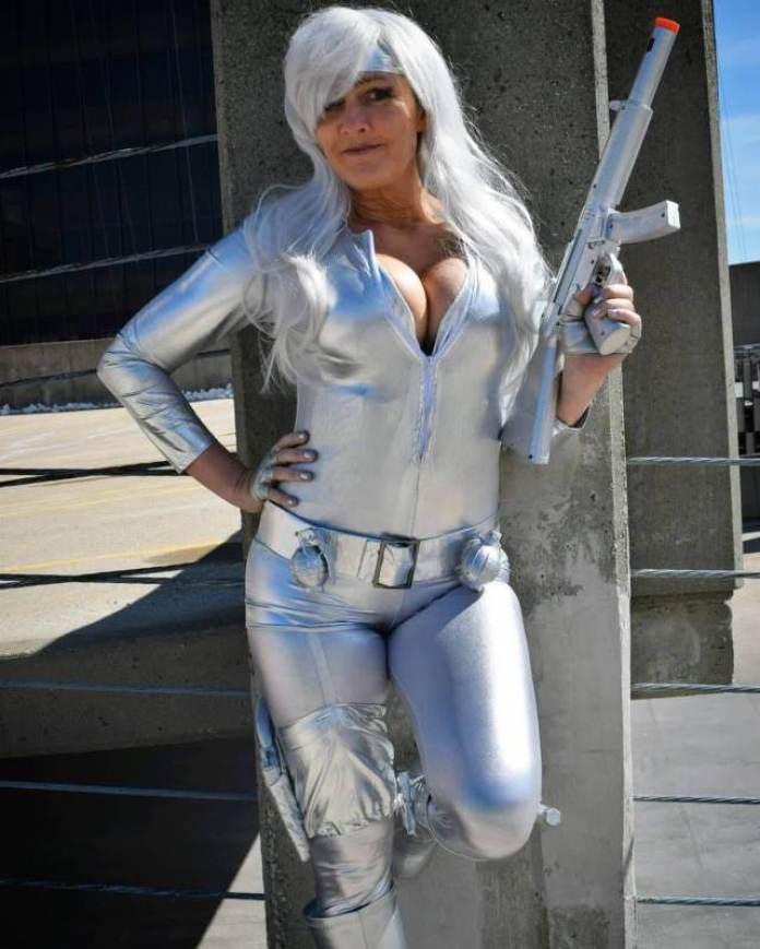 Silver Sable tits