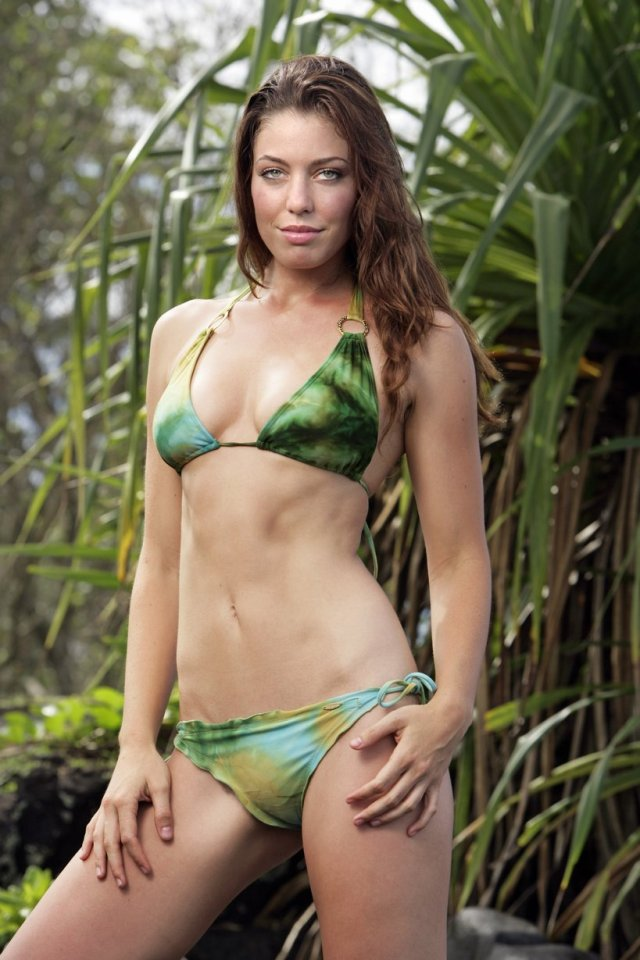 Amanda Kimmel bikini pics