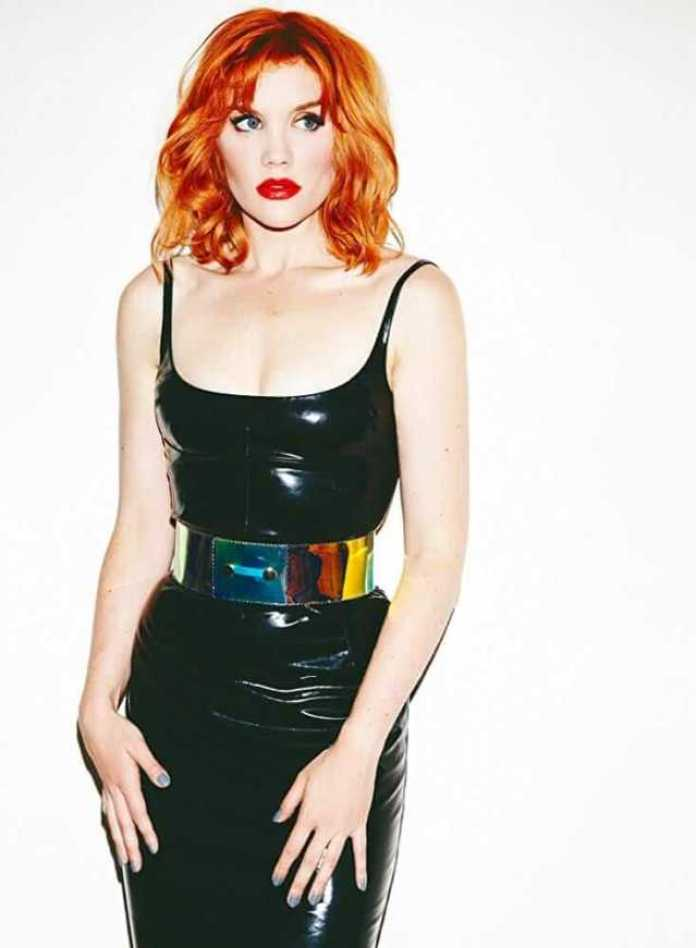 emerald fennell hot