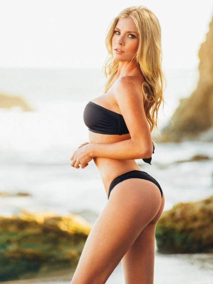 Carly Lauren sexy thigh