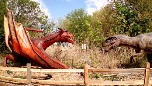 animatronic dragon versus dino