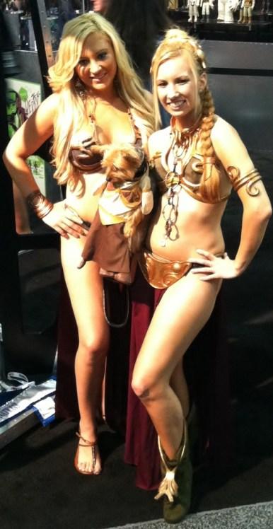Two Slave Princess Leias