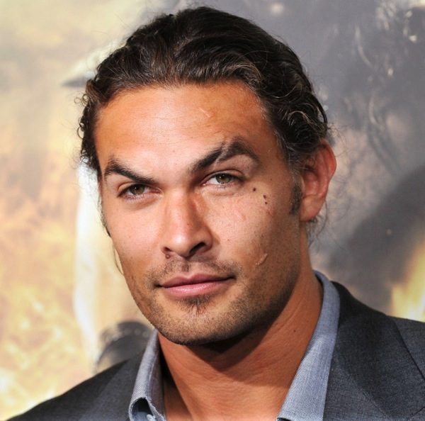 Jason momoa premiere conan the barbarian 01